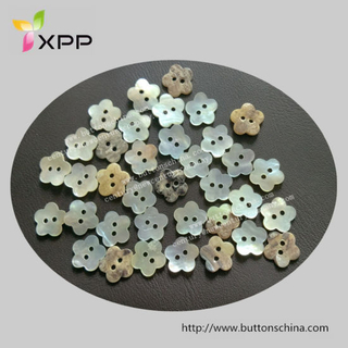 Flower Shape Agoya Natural Shell Button