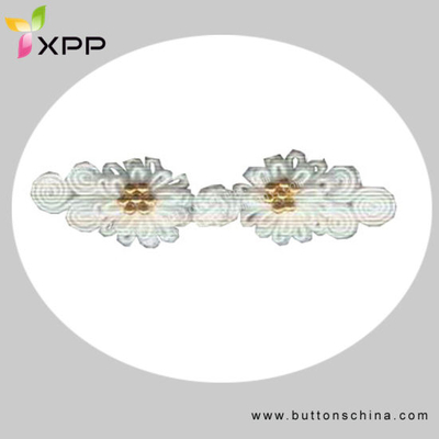 White Color Chinese Knot Button with Goldn Bead